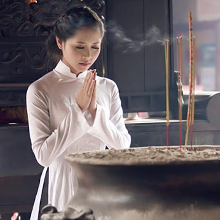 Những điều không lên làm khi đi chùa?