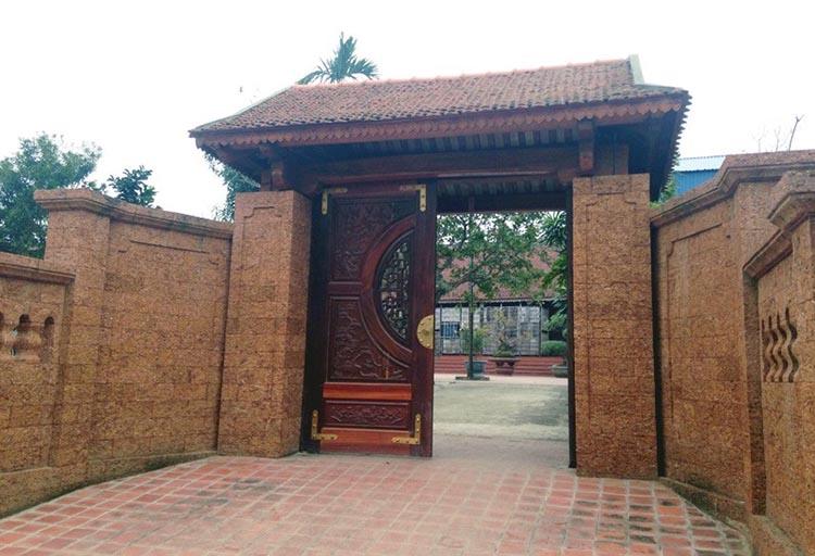 Cổng nhà thờ họ 3 gian truyền thống bằng gỗ