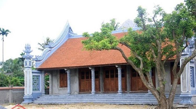 Mặt tiền nhà thờ họ 4 mái